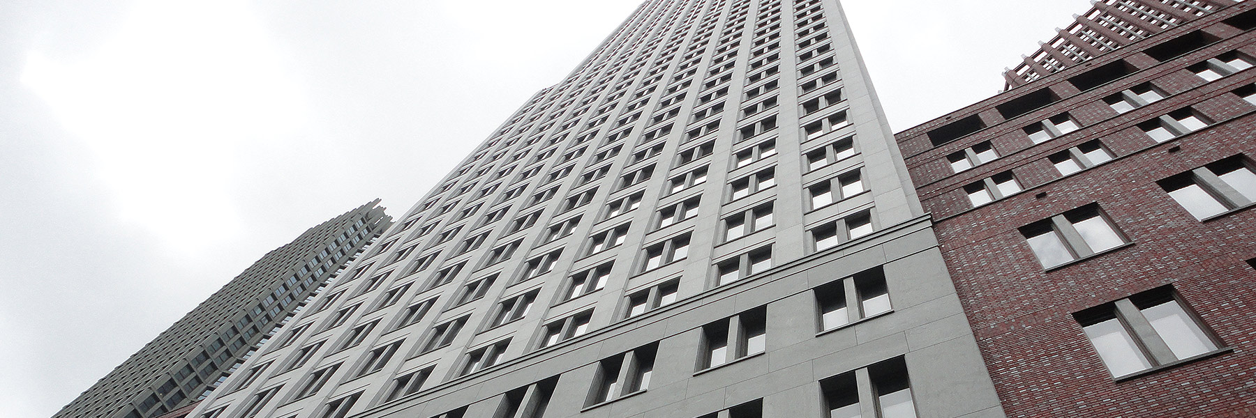 gevelbekleding gebouw