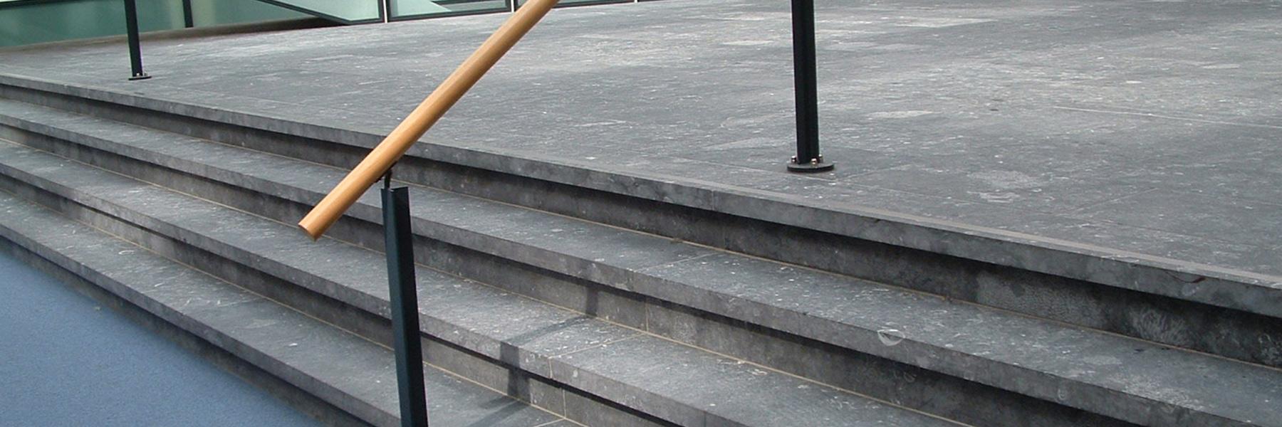 trap buiten graniet